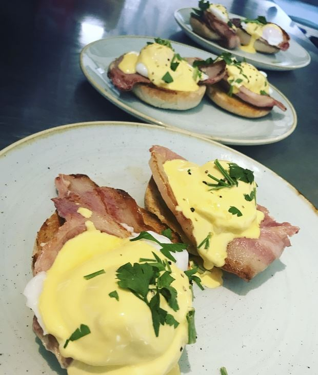 Click to enlarge image eggs benedict 2.jpeg